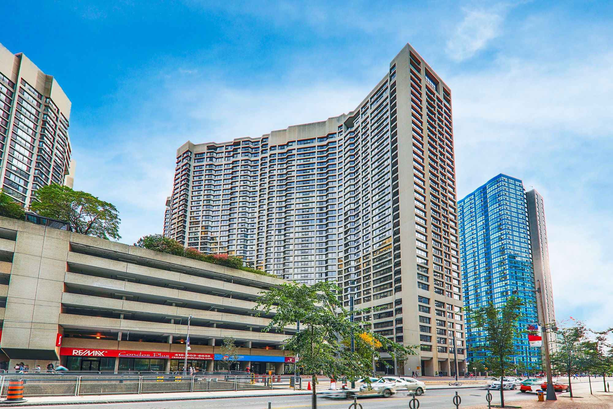 Luxury Waterfront Living In Harbourfront's Harbour Square